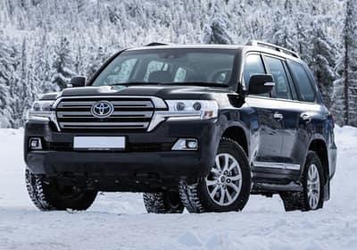 Toyota 4runner in snow