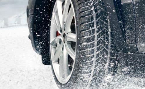 Alfa Romeo tire in snow