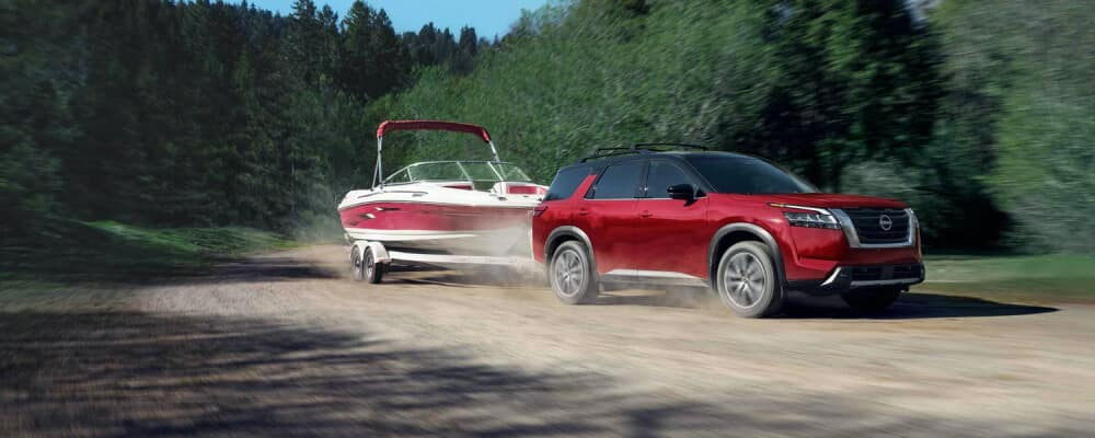2022 nissan pathfinder towing boat