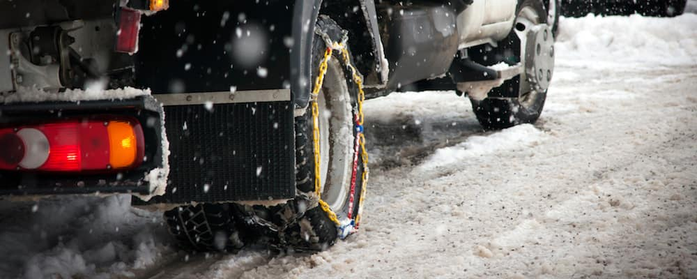 Tire chains on a commercial vehicle