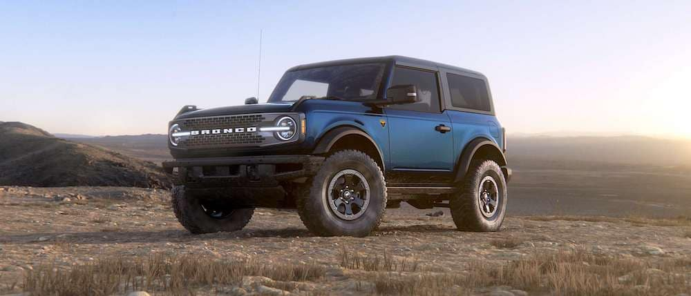 2021 Ford Bronco 2-Door in Antimatter Blue