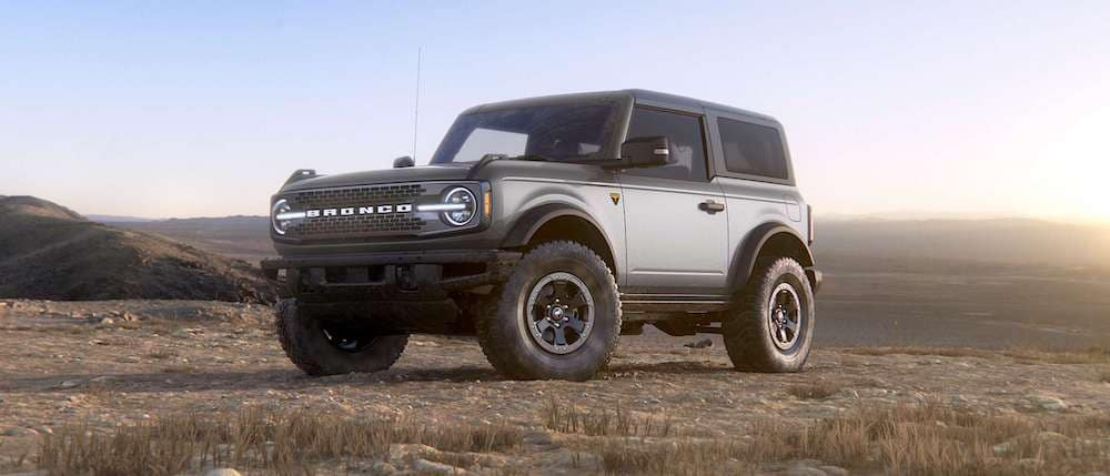 2021 Ford Bronco 2-Door in Iconic Silver