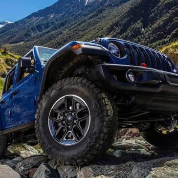 2019 Jeep Wrangler in blue, wheel detail