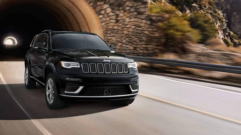 2019-Jeep-Grand-Cherokee-emerging-from-tunnel