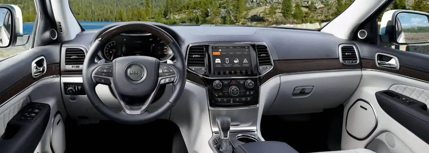 2019 Jeep Grand Cherokee Interior - Dashboard View
