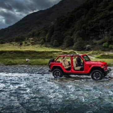 2018 Jeep Wrangler wades through shallow water