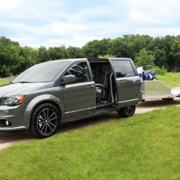 2019-Dodge-Grand-Caravan-Canada-towing
