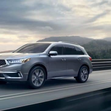 Acura-MDX-2019-advance-lunar-silver-metallic-speeding