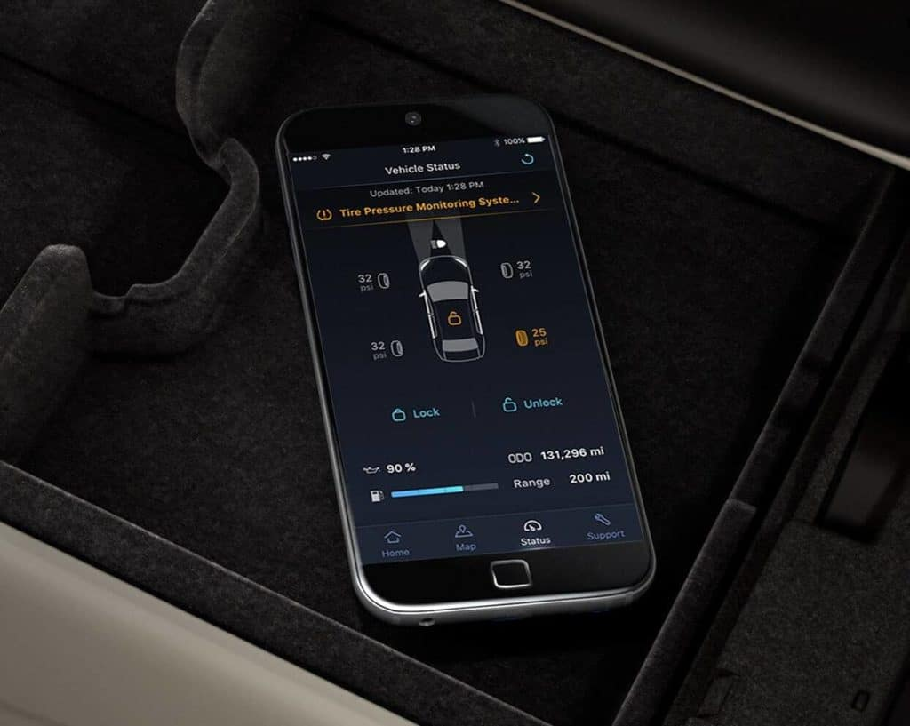 2020 Acura RLX showing AcuraLink phone app