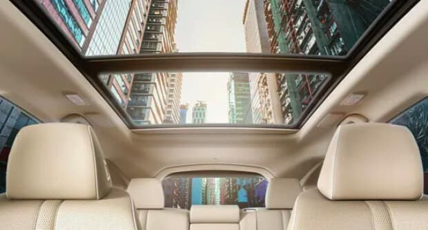 2021 Acura RDX moonroof with sunlight