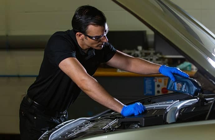 BMW Mechanic Oil Change