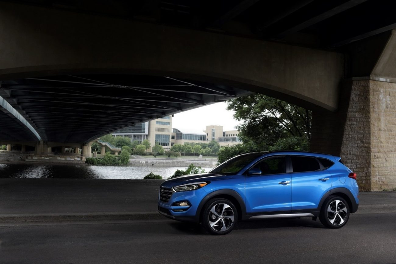 2019 Hyundai Tucson Essential Vs 2019 Honda CR-V
