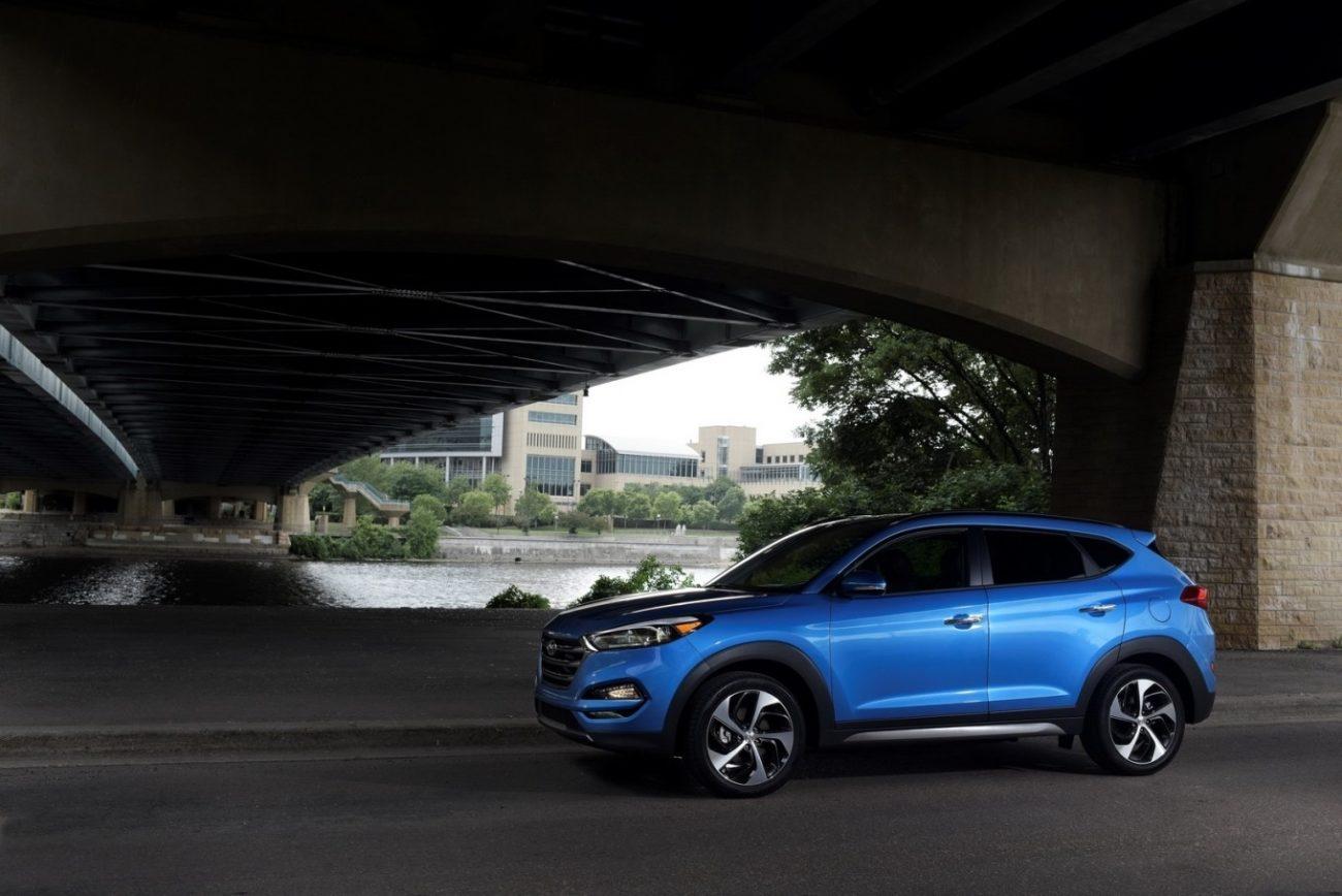 2019 Hyundai Tucson Essential Vs 2019 Honda CR-V