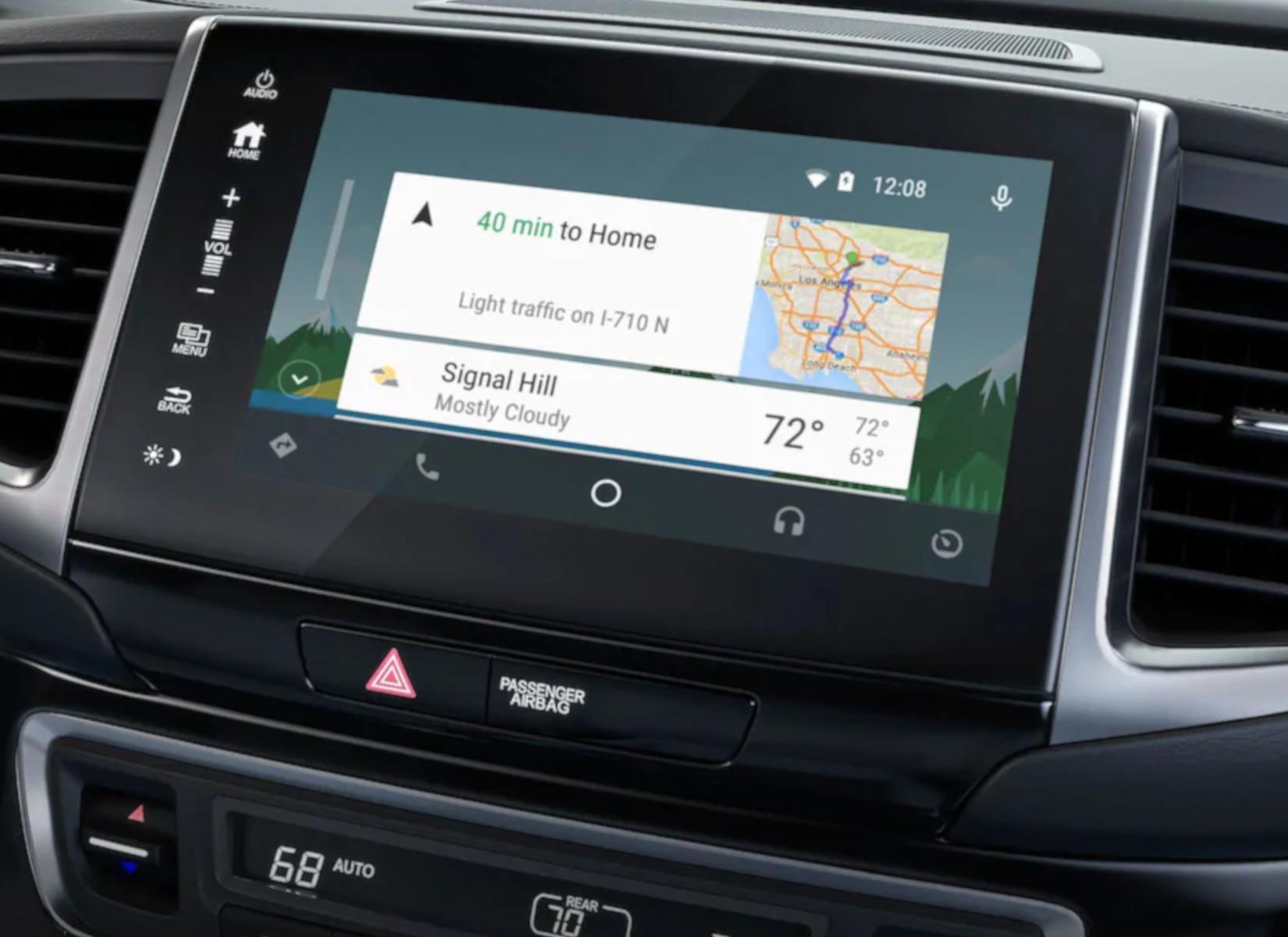 Touchscreen display inside the 2019 Honda Ridgeline