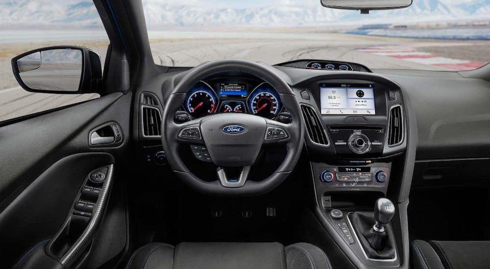 2006 ford focus hatchback aux input