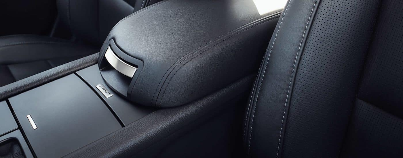 Black leather 2019 Ford Taurus Interior Cabin