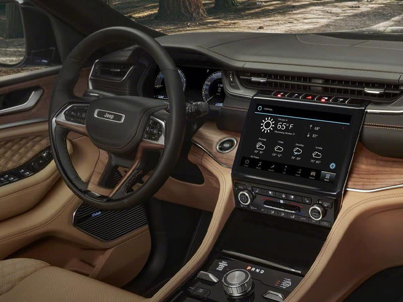 New 2021 Jeep Grand Cherokee Technology and Interior