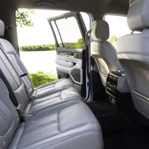 2022 Jeep Wagoneer Rear Cabin Comfort