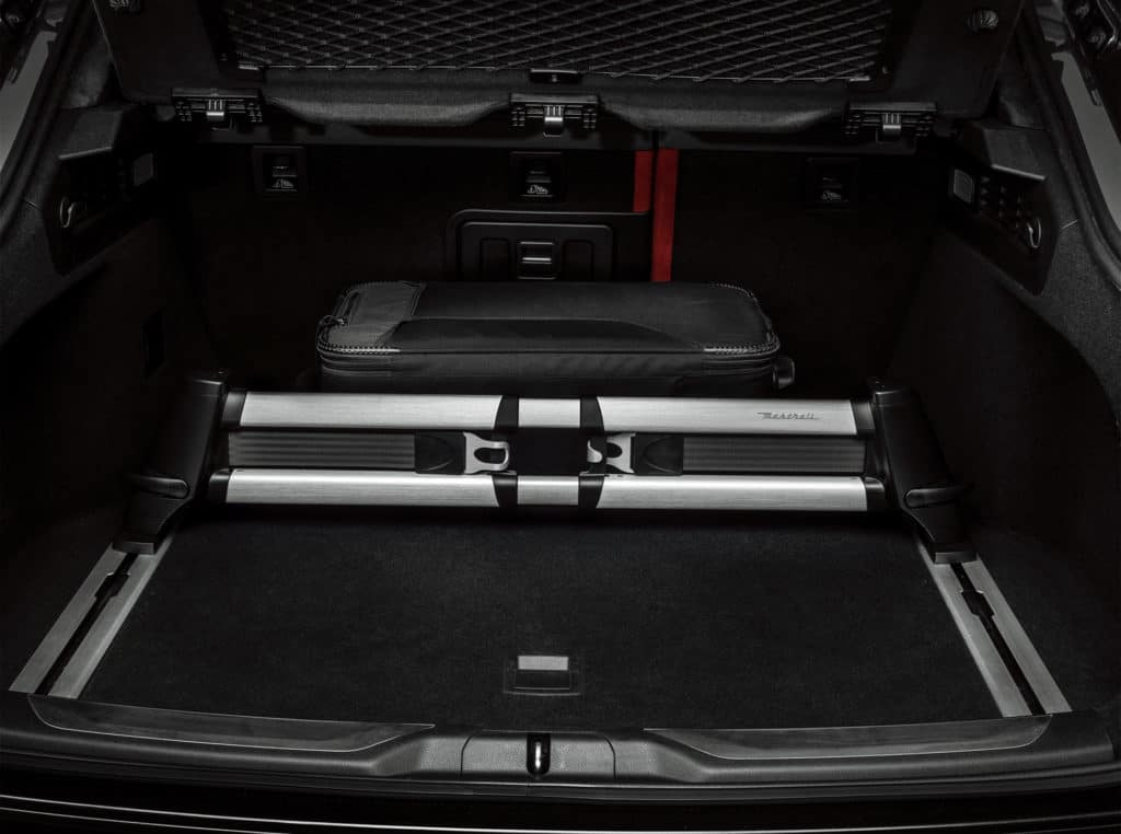 Levante_Luggage-Compartment-Adaptive-Divider