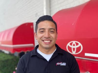 Juan Vazquez - Service Manager