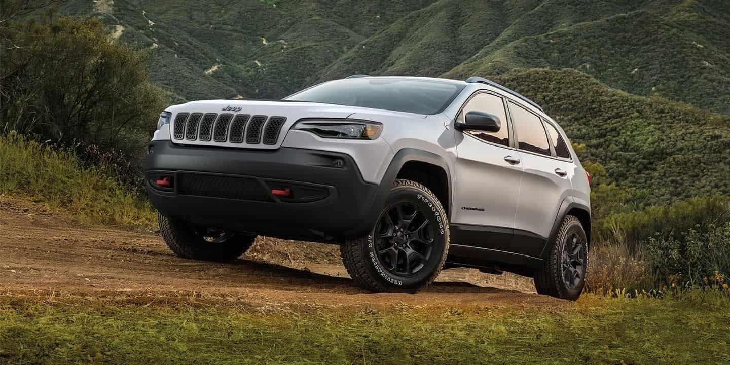Buy, Lease, or Finance the 2019 Jeep Cherokee near Thornton CO