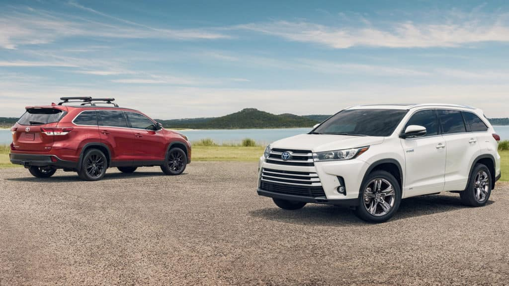 2019 Toyota Highlander Salsa Red Pearl and Blizzard Pearl