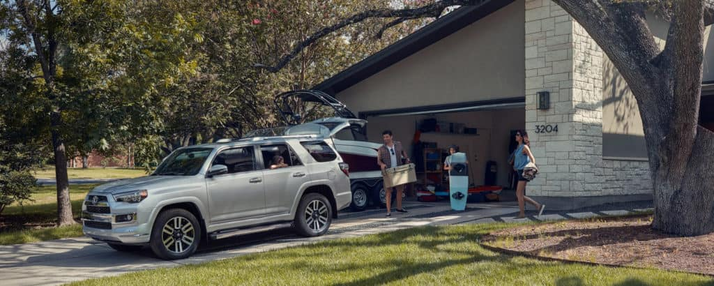 2019 Toyota 4Runner loading up
