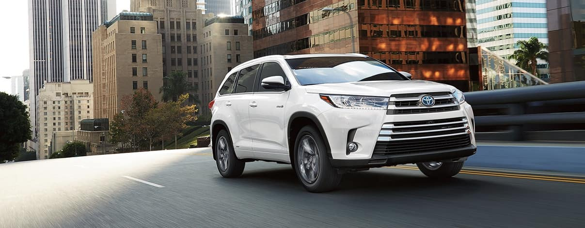 2018 Toyota Highlander on road