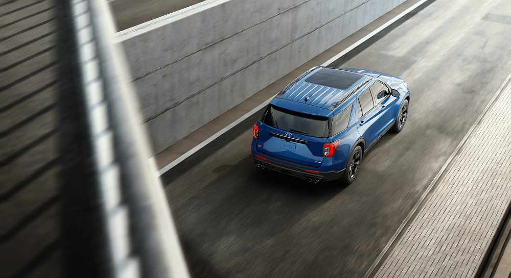 Ford Explorer vs Chevrolet Traverse Performance Specs
