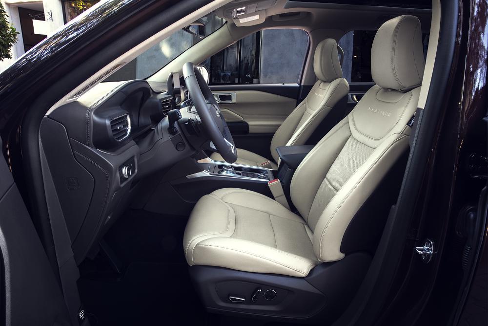 Ford Explorer vs Chevrolet Traverse Interior