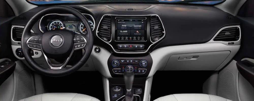 2019 Jeep Grand Cherokee interior driver's view comp