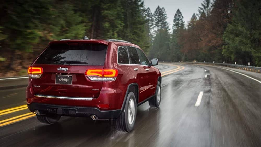 2019 Jeep Grand Cherokee driving in the rain