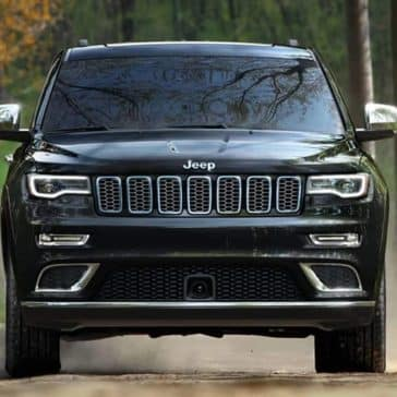 2019 Jeep Grand Cherokee front exterior