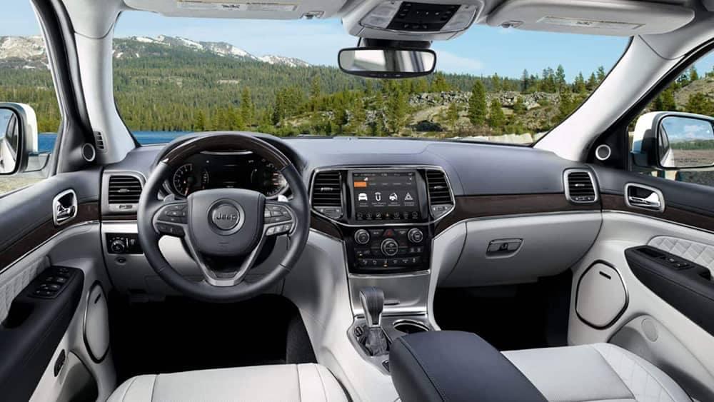 2019 Jeep Grand Cherokee front interior