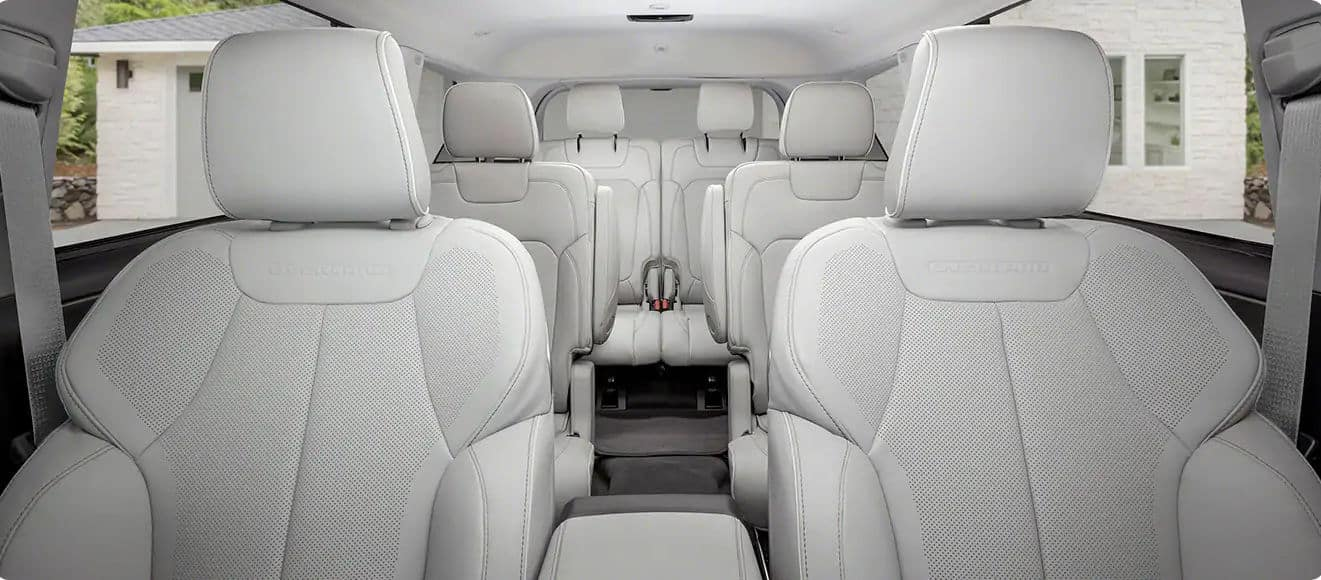 2021 Jeep grand Cherokee Three-Row SUV