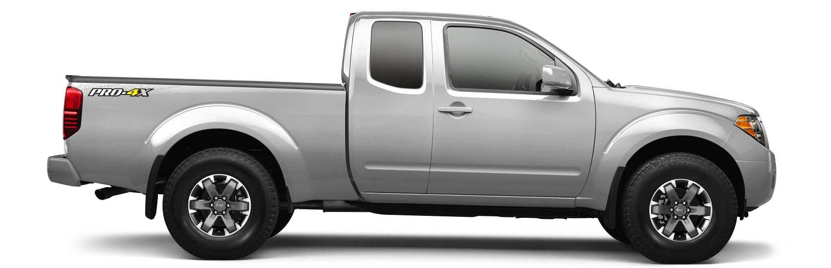 Silber 2015 Nissan Titan Pro