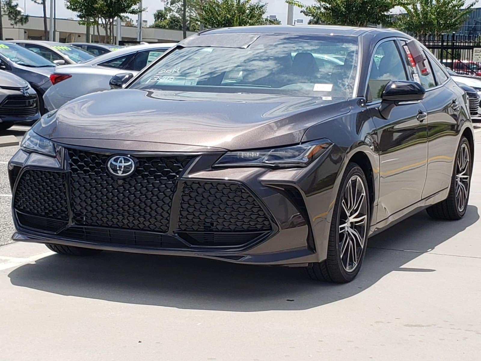 The 2019 Toyota Avalon is here.