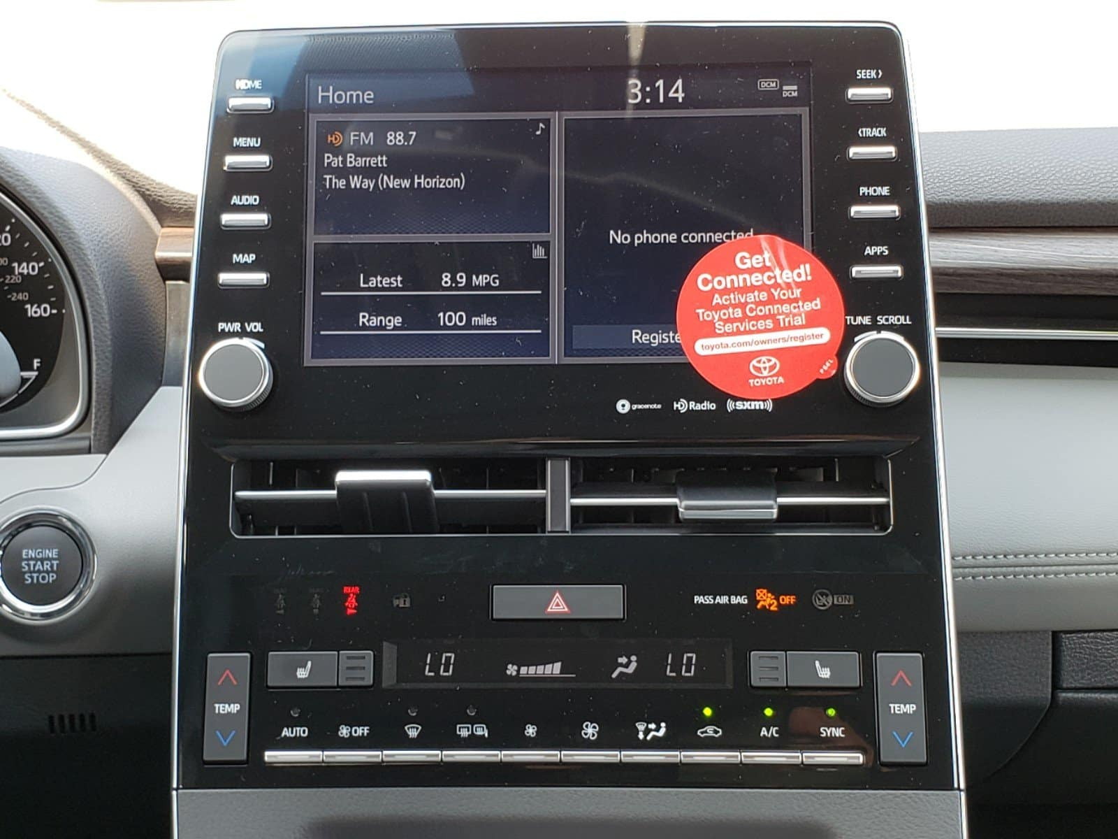 Entune infotainment in the new Orlando Toyota Avalon.