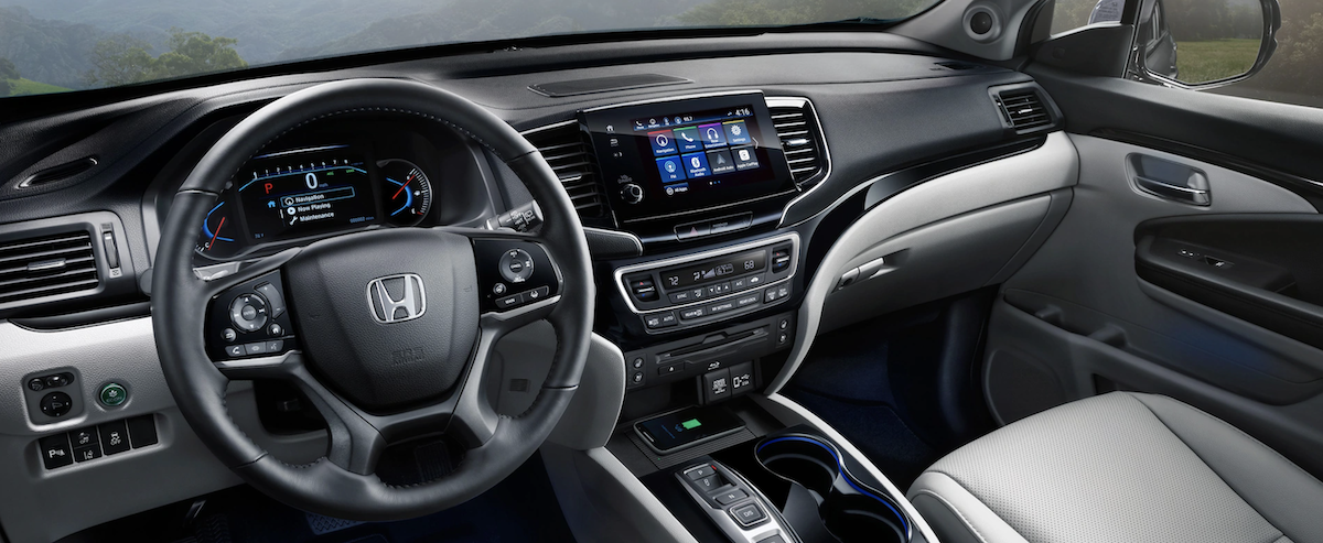2021 Honda Pilot Interior Dashboard & Steering Wheel Banner