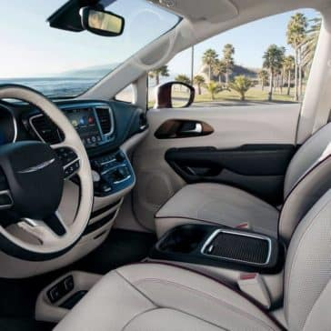 2018 Chrysler Pacifica interior dashboard