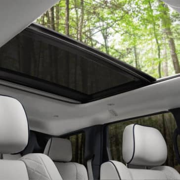 2018 Jeep Grand Cherokee dual pane sunroof